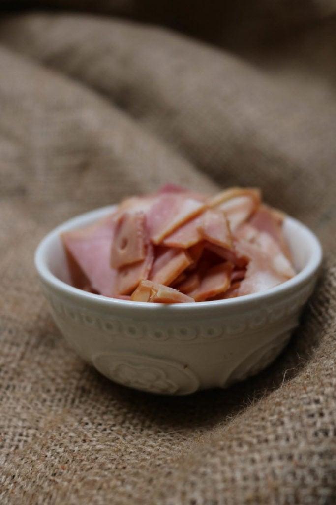 keto quiche recipe - slice bacon